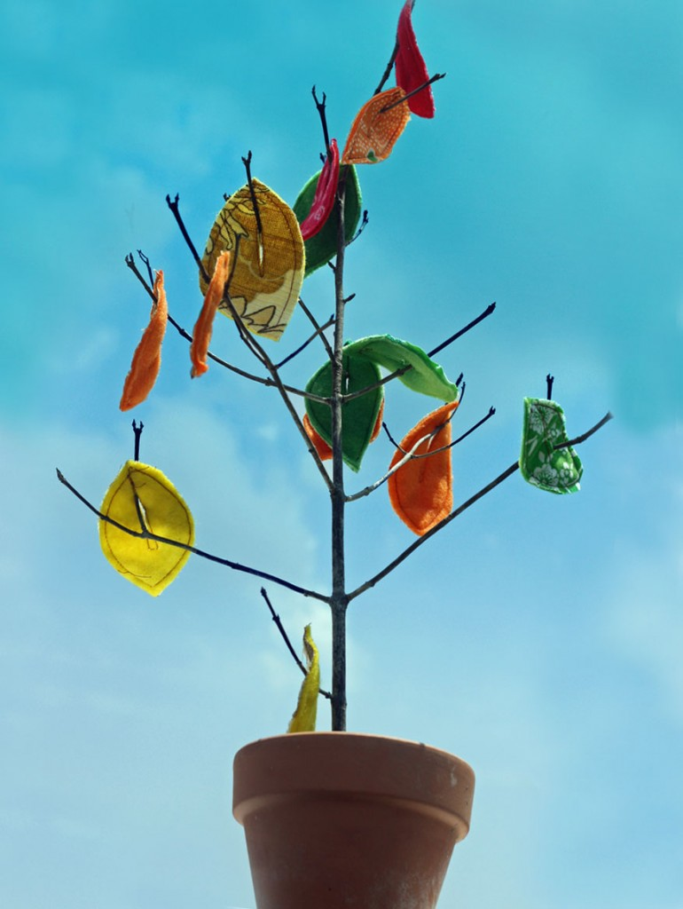 Fall crafts for kids - fabric tree